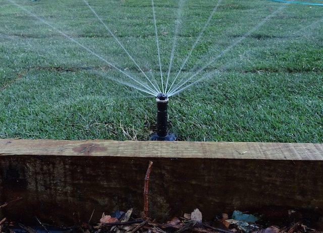 automatic irrigation system sprinkler pop-up